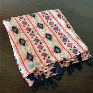 🆕 Listing - Aztec design scarf